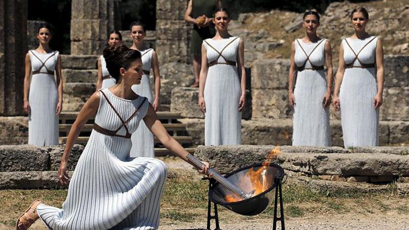 cérémonie flamme olympique skaphia